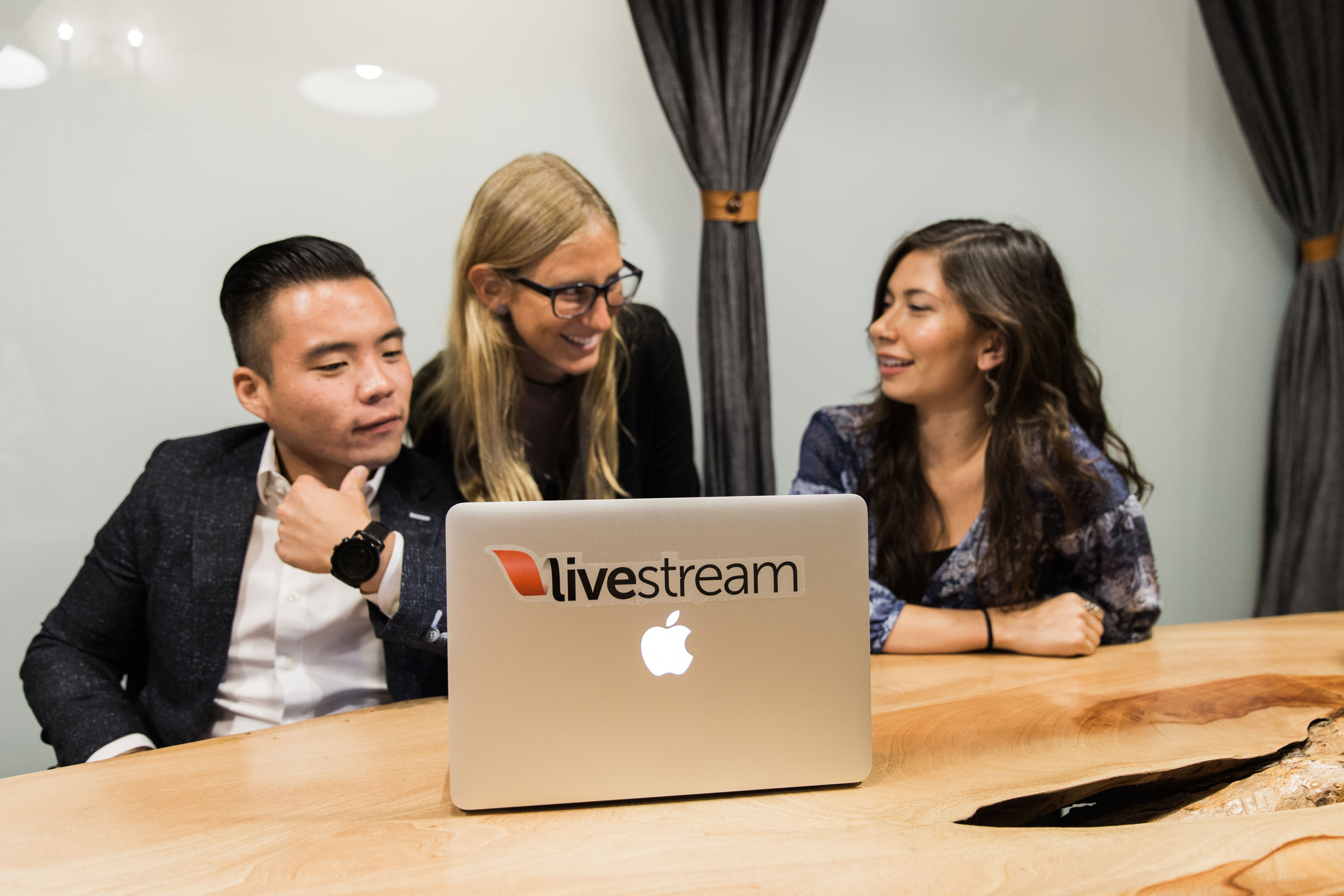 Recording streamong adult live shows pay streams video